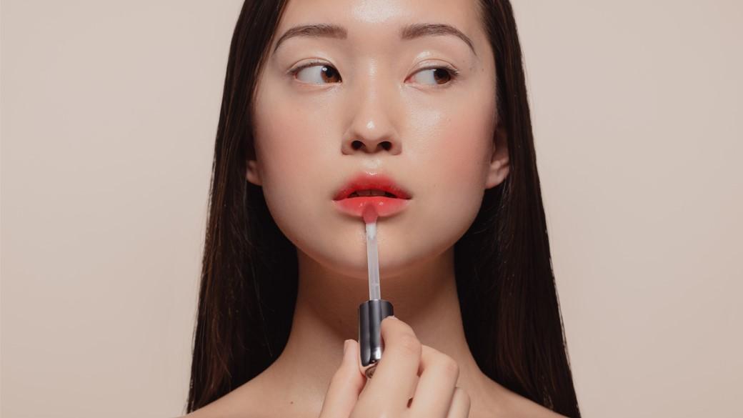 آرایش لب کره ای چگونه است و چطور شبیه دختران کره ای رژ لب بزنیم؟